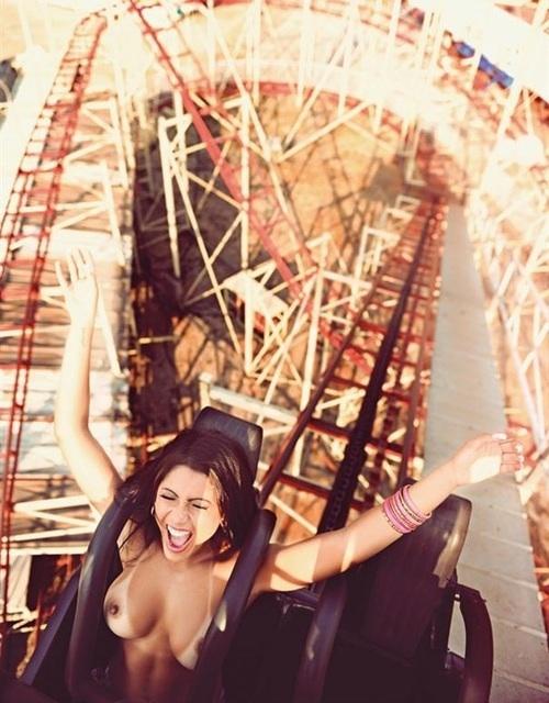 Nude coaster rider